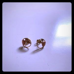 ❤️3/$20❤️ Golden grapes earrings